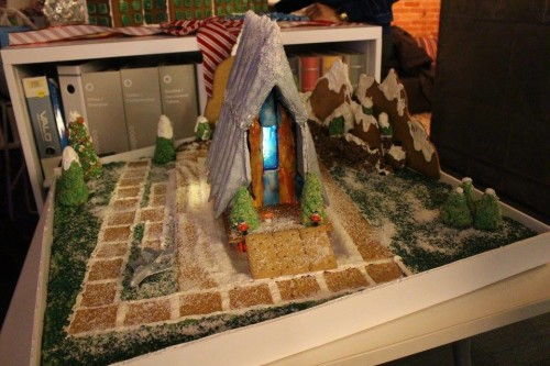 gingerbread-throwdown-design-competition-2015-gingerbread-2015